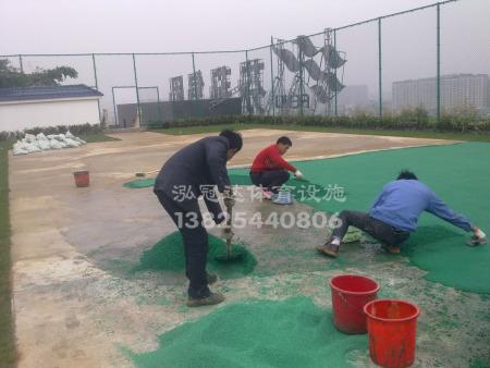 EPDM塑胶球场施工中