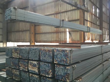 江苏盛昌钢铁告诉你什么是热轧方钢