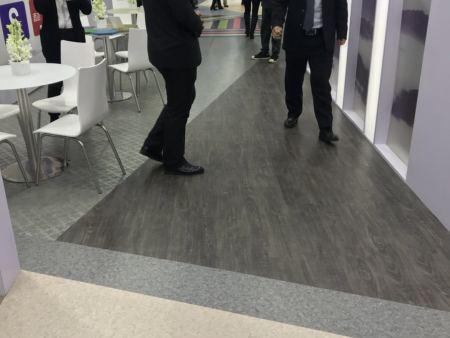 选择地板就选择塑胶地板