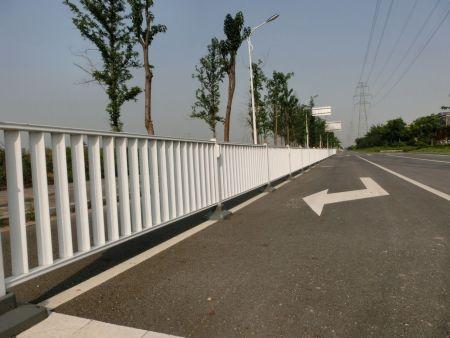 德州路友交通设施提供路标线涂料生产、标线设备制造和标线施工