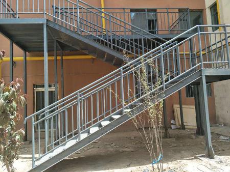 兰州海石湾钢结构楼梯