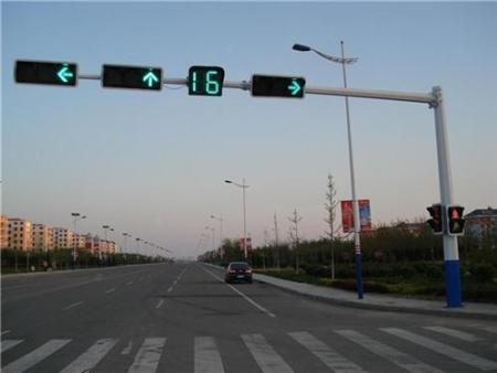 安装沈阳交通信号杆需要注意它的线路布置