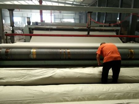 土工膜厂家分析铺设土工膜前的预备工作!