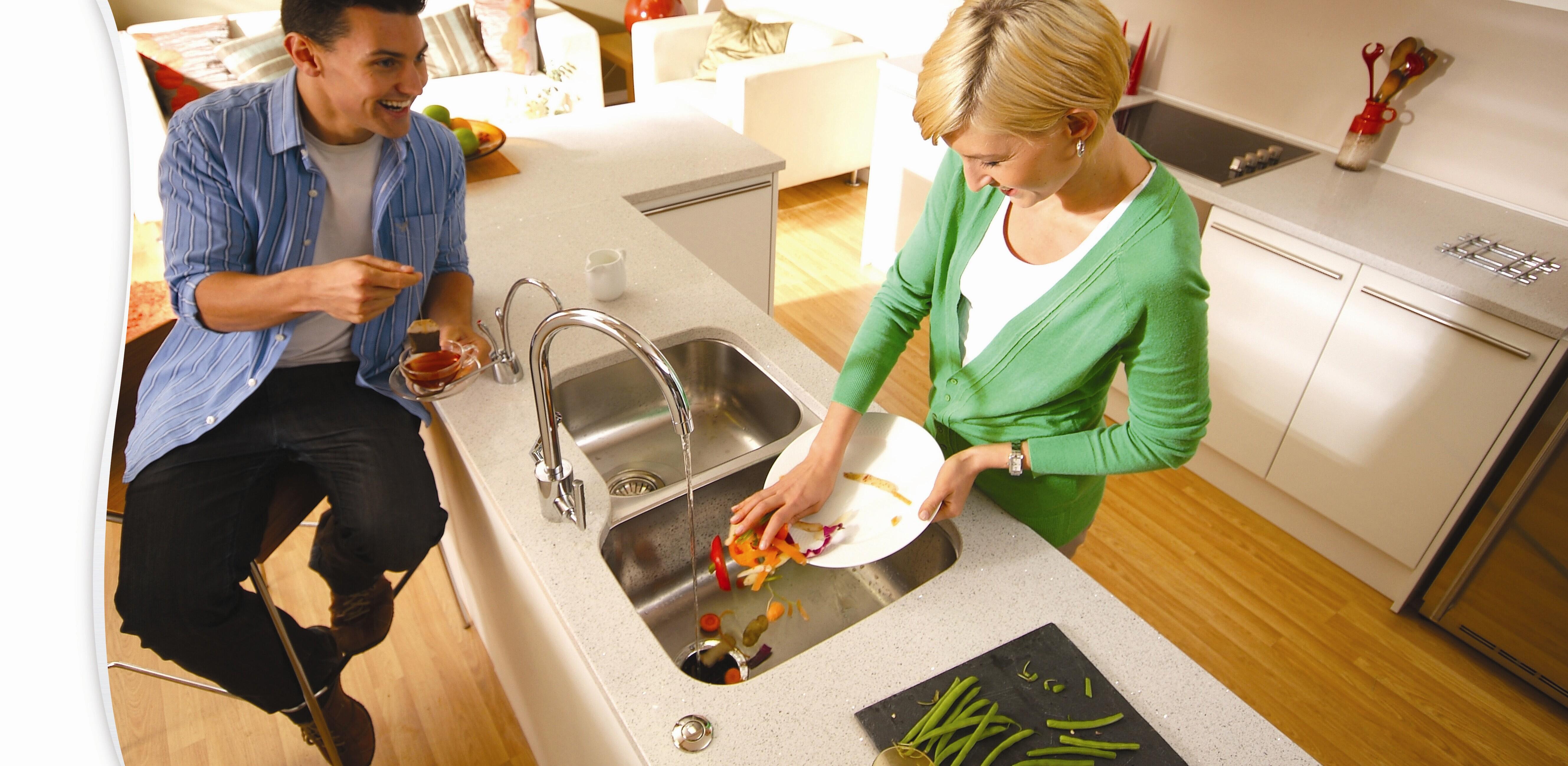 厨房垃圾处理器解决问题,将餐厨垃圾交给个人或者未取得特许经营资格的企业收运的,每次给予2000元罚款