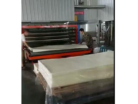 贴纸机生产现场