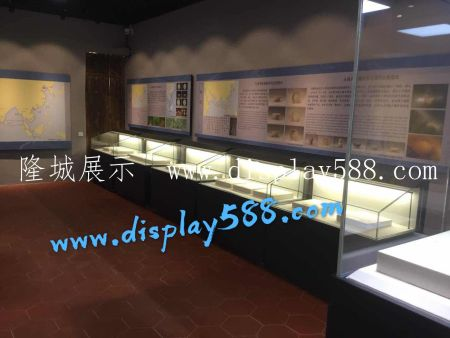 文物展櫃的整體架構及特點
