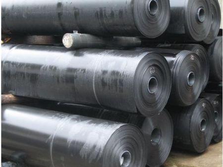 土工膜厂家的复合防渗土工膜属于一种性能不错的产品