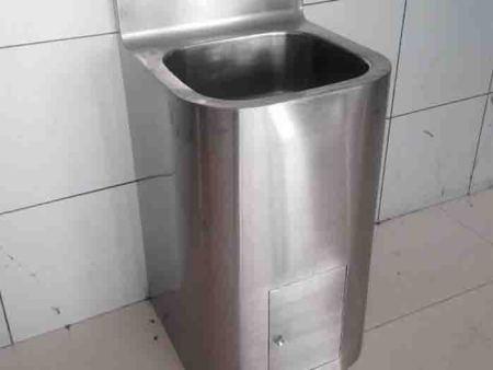 电竞雷竞技下载水池