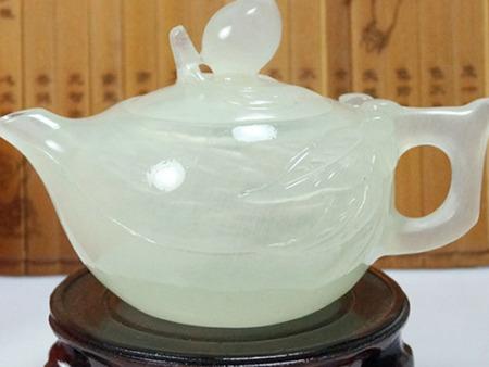 青玉桃茶壶