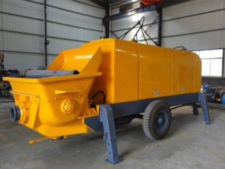 运送水溶性比较差的介质混凝土输送泵容易发生堵塞