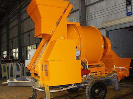 液压油过滤后可以提高混凝土搅拌拖泵的工作效率