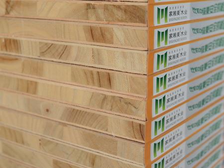 哪些因素导致生态板出现板材开裂的现象?