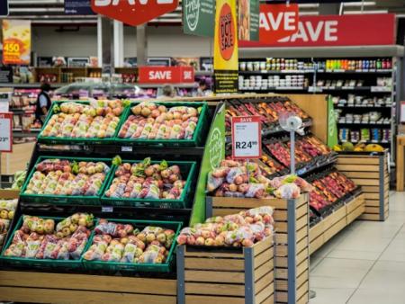 巨头决战3公里生活圈:它会是2018零售业的主战场吗?