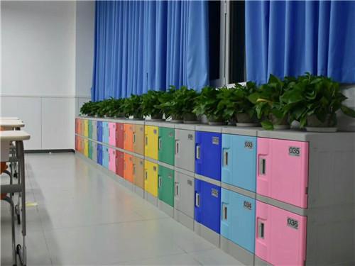 西安塑料更衣柜的安裝步驟