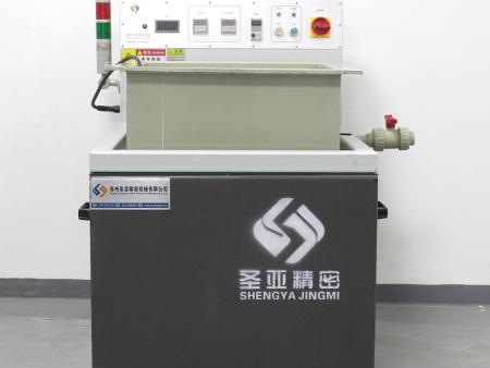 磁力研磨机