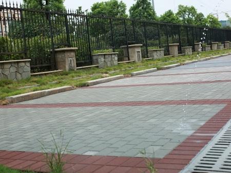 湘煤大厦停车坪-钢基透水砖