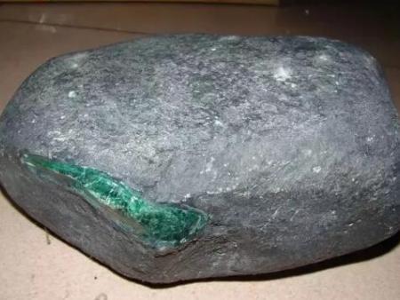 专家多年总结:去缅甸买翡翠原石,要注意这些陷阱