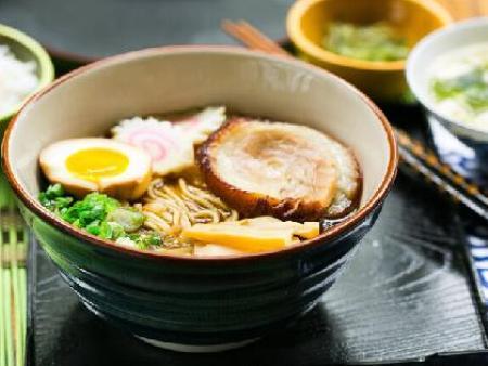 为什么韩国人喜欢吃拉面,也就是方便面