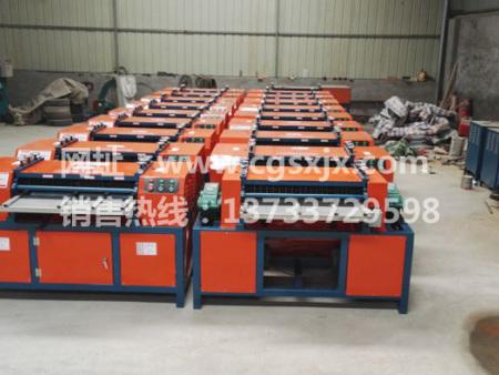 旧空调散热器铜铝龙8国际官方网站仓库一角