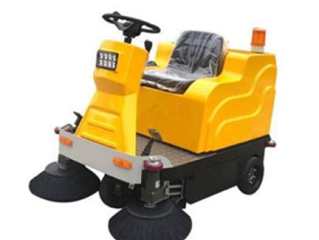 驾驶式电动扫地车与人工相比的优势