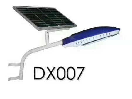 太阳能一体灯