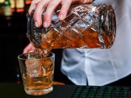 食用酒精中甲醇、杂醇油的气相色谱测定法