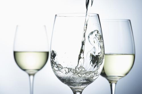 高温堆积提高浓香型白酒质量