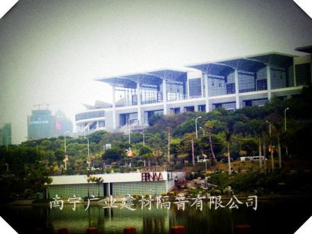 南宁民歌湖会所吸音纤维喷涂工程