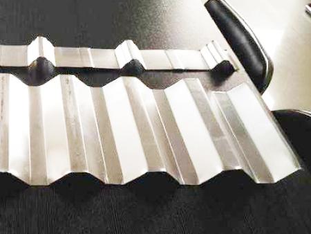 鋁鎂錳板要覆膜的原因