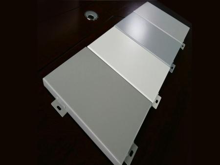 氟碳鋁單板的特點及使用規模
