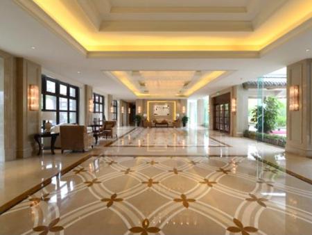 鲤鱼洲酒店
