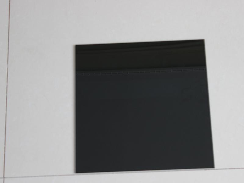 黑色玻璃的玻璃透光参数