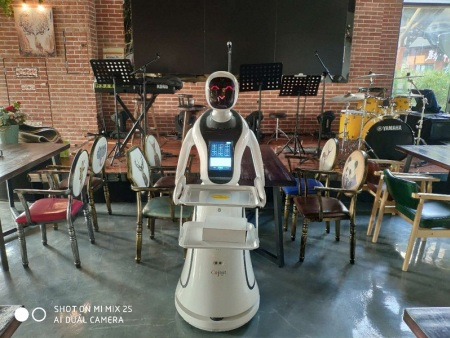 送餐机器人7