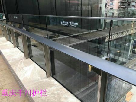 重庆玻璃护栏案例