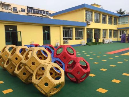幼儿园使用塑胶地板的好处
