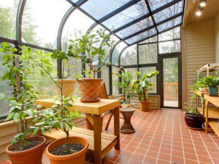 河南膜莱帮商贸有限公司 为广大用户提供安全、隔音、隔热的建筑贴膜