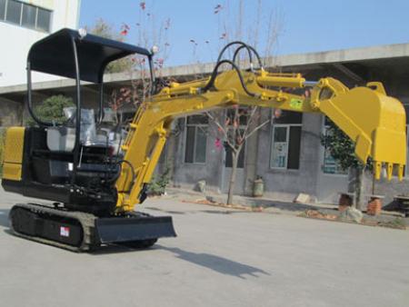 挖掘机厂家生产的小型挖掘机为何备受农民朋友喜爱?
