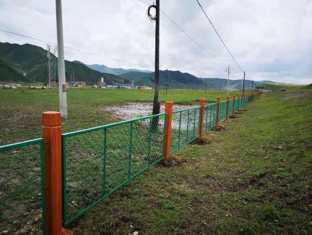 兰州仿木铁艺围栏