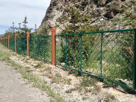 甘肃仿木铁艺围栏