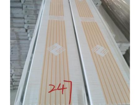 专业pvc扣板厂家细谈造成板材变黑的因素