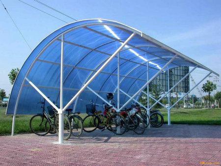 西安阳光板厂家说说阳光板的尺寸规格、市场售价以及性能要求