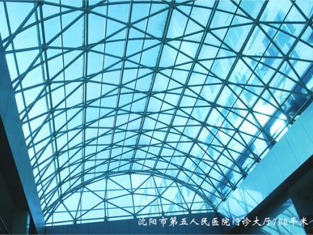 西安宝丽高说说陕西阳光板成为时下流行板材的原因