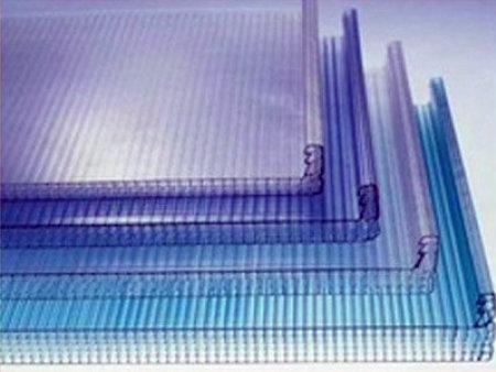 西安阳光板厂家说一说怎样防止阳光板安装出现破裂?