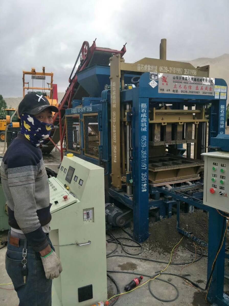 空心砖机生产水泥块光滑度的调节方法