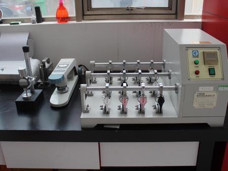 新藝皮革實驗室及設備