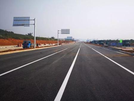 临洮公路段橡胶沥青铺筑