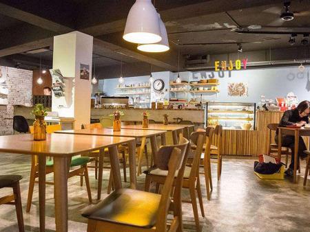 【兰州咖啡店加盟】和果餐饮为您分享水温是如何影响你的咖啡的