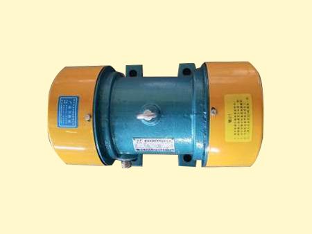 倉壁振動器