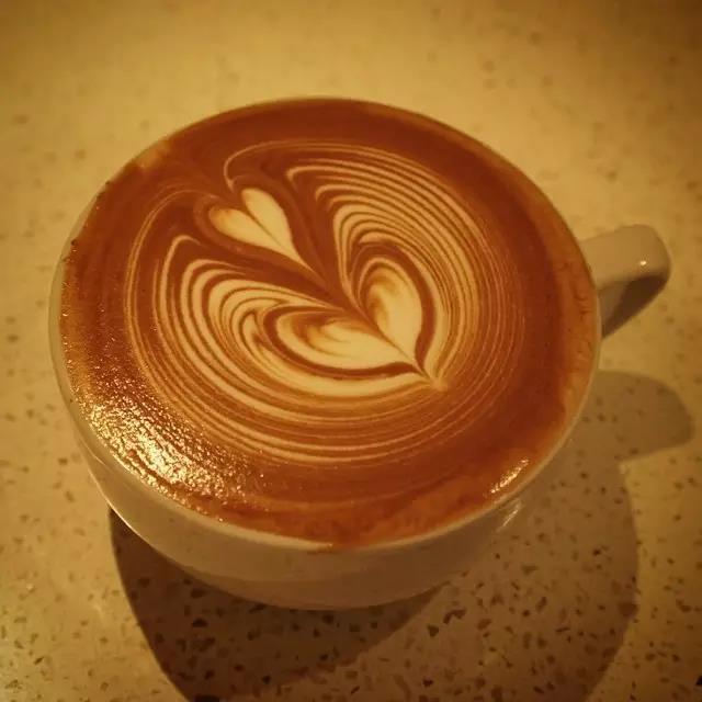 【兰州咖啡技术培训】咪哚初茶为您分享咖啡拉花的技术