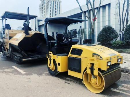 4吨前易胜博官方网站后轮胎振动易胜博官方网站